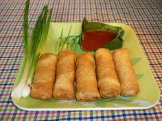 Lumpia atau terkadang dieja sebagai lun pia adalah sejenis penganan tradisional Tionghoa. Lumpia adalah lembaran tipis dari tepung gandum yang dijadikan kulit lalu digunakan sebagai pembungkus isian yang biasanya terdiri atas rebung, telur, sayuran segar, daging, atau makanan laut. Di Indonesia, lumpia dikenal sebagai makanan khas Semarang dengan tata cara pembuatan dan bahan-bahan yang telah disesuaikan dengan tradisi setempat.