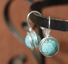 Post turquoise earrings, gold or silver wire wrapped simply jewelry Handmade Market, Handmade Items, Handmade Gifts, Jewelry Accessories, Jewelry Design, Women Jewelry, Mom Fashion, Pinterest Diy, Love To Shop