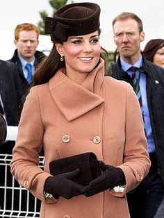 Stylish as usual, Kate steps out to the horse races. http://www.people.com/people/package/article/0,,20395222_20682442,00.html