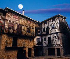 Seis pueblos con encanto de Salamanca para enlazar en una ruta Sierra Leone, Portugal, Spain Travel, Great Photos, All Over The World, Multi Story Building, Places To Visit, Louvre, Europe
