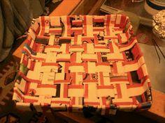 cesta de papel cuadrada Cake, Desserts, Food, Paper Basket, Hand Art, Hampers, Paper Envelopes, Tailgate Desserts, Deserts