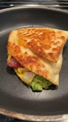 Easy keto breakfast tortilla using low carb tortillas. Click link in bio for more recipes and keto stuff. Low Carb Keto, Low Carb Recipes, Cooking Recipes, Brunch Recipes, Breakfast Recipes, Breakfast Tortilla, Healthy Snacks, Healthy Eating, Comida Keto