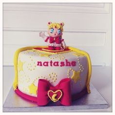 #Tarta de fondant decorada con #SailorMoon