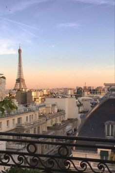 City Aesthetic, Travel Aesthetic, Places To Travel, Places To Visit, Moving To Paris, Dream City, Dream Vacations, Aesthetic Pictures, Destinations