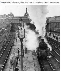 Dundee West Railway Station .