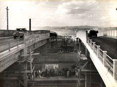 1959 - Viaduto Pacaembú. Construção do viaduto sobre a linha férrea da Fepasa (atual CPTM), para ligação entre a avenida Pacaembú e a avenida Dr. Abraão Ribeiro. Obra concluída.