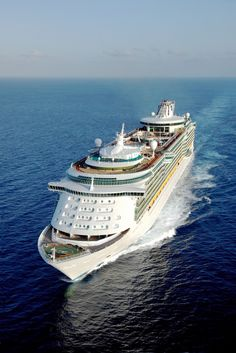 Explore the Magnificent World through Luxury Cruise – Travel By Cruise Ship Liberty Of The Seas, Freedom Of The Seas, Harmony Of The Seas, Royal Caribbean Ships, Royal Caribbean Cruise, Cruise Travel, Cruise Vacation, Majesty Of The Sea, Grandeur Of The Seas