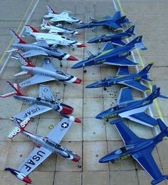 Vintage Helicopters USAF Thunderbirds and US Navy Blue Angels Us Military Aircraft, Military Jets, Military Weapons, Air Fighter, Fighter Jets, Avion Jet, Us Navy Blue Angels, Old Planes, Jet Plane