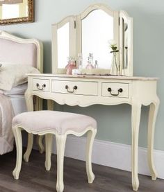 Rochelle Shabby Chic Champagne Painted Dressing Table With Wooden Top Complete With Triple Mirror & Stool