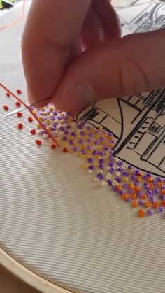 hand embroidery stitches tutorial step by step Hand Embroidery Patterns Free, Etsy Embroidery, Hand Embroidery Videos, Embroidery Stitches Tutorial, Embroidery Flowers Pattern, Creative Embroidery, Simple Embroidery, Learn Embroidery, Japanese Embroidery