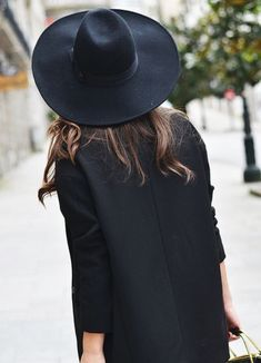 All black never goes out of fashion!