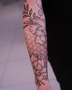 Badass Tattoos, Life Tattoos, Body Art Tattoos, Cool Tattoos, Cool Half Sleeve Tattoos, Arm Cuff Tattoo, Piercing Tattoo, Flower Of Life Tattoo, Flower Tattoos