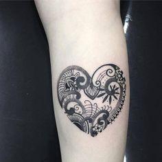 Henna inspired heart tattoo. Tattoo artist: Bob Queiroz