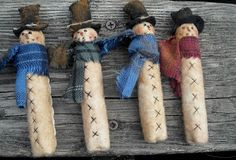 "Clothespin snowmen - Scroll all the way to the bottom of the page to the ""Download Our Free Patterns"" box with all the PDF downloads in it. ~ Courtesy of The Olde Country Cupboard"