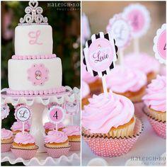 Vintage Princess Party with cute cake and cupcake ideas/ Fiesta de princesas con ideas de pastel y pastelitos curiosos @fngnovelties