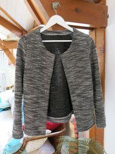 Patron en PDF à 3 ! Gilet Monceau B&W patron cozy little word tissu Mondial tissus Sweatshirt Makeover, Diy Vetement, Couture Sewing, Diy Fashion, Fashion Design, Couture Tops, Jacket Pattern, Sewing Clothes, Pulls