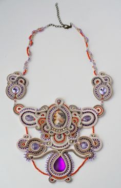 Soutache necklace Wisteria beige and orchid de Magia Soutache