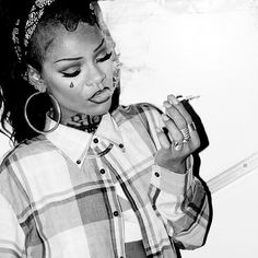 Rihanna chola style