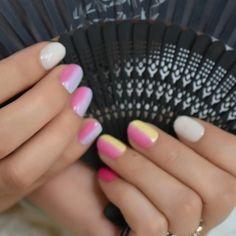 Elegant Rhinestones Coffin Nails Designs - New Ideas Nail Store, Nail Length, Round Nails, Rainbow Nails, Nail Set, Nail Tips, Coffin Nails, Nail Designs, Small Small