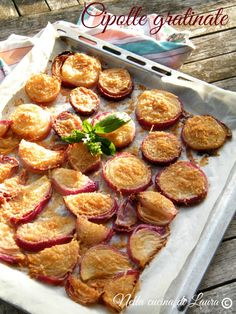 cipolle gratinate - nella cucina di laura Vegetable Side Dishes, Vegetable Recipes, Vegetarian Recipes, Healthy Recipes, My Favorite Food, Favorite Recipes, Light Recipes, Easy Cooking, Food Design