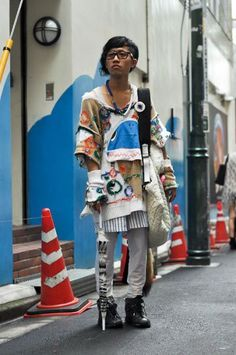 Japanese Street  Fashion 2012  |    He looks so nice and warm