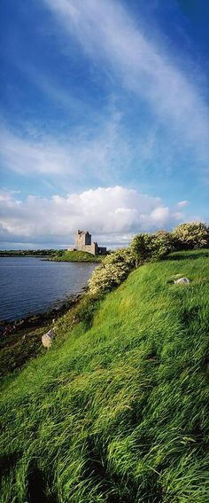 <3 Dunguaire Castle, Kinvara, Galway, Ireland  I believe there must be Irish blood in me.  I am drawn to Irish literature, landscapes, accents - all things Irish.