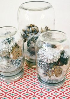 We have a new collection of Snow Globe DIY Projects! Take a peek and stat creating now! Diy Snow Globe, Christmas Snow Globes, Christmas Mason Jars, Christmas Diy, Diy Projects Using Mason Jars, Homemade Snow Globes, Pot Mason Diy, Miniature Christmas Trees, Jar Crafts