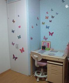 お客様からお写真いただきました!!!    かわいい! 娘の部屋に早速貼ってみましたが、かわいい!! 想像どおりに仕上がり、大変満足です。 壁も傷つけずに、しかも簡単に部屋が可愛くなって大満足です。 息子の部屋にも世界地図、貼りました。 こちらもいい感じに仕上がりました。  かわいいね^^ 写真にタグ付