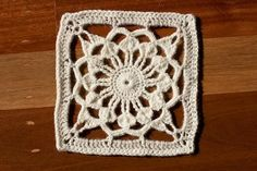 Lacy flower crochet square