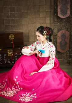 Traditional Korean wedding dress (hanbok). I could totally get married in bright pink!
