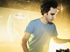 "Canal Electro Rock News: Four Tet divulga as faixas ""Mothers"" e ""Disparate"""