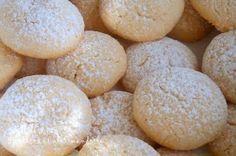 Biscotti alle mandorle (senza farina latte burro) – Ricetta Pasticcini morbidi alle Mandorle