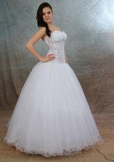 c773c077e8 A(z) Wedding Dresses / Esküvői Ruhák nevű tábla 22 legjobb képe ...
