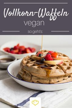 Waffeln ohne Eier und Milch? Ja, das geht! Schritt für Schritt erklärt, wie du dir die perfekten veganen Waffeln machst!