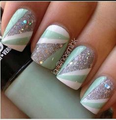 Minty geometric manicure