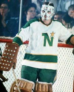 Garry Bauman - North Stars Women's Hockey, Hockey Games, Hockey Players, Field Goal Kicker, Minnesota North Stars, Goalie Mask, Masked Man, Vancouver Canucks, Winter Games