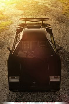 there is something about the countach that i really like, maybe its the angles, or maybe i need to blame the cannonball run movie.