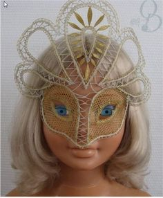 "Bobbin Lacemakers Association ""Ibn al Baytar"": Mask with lace"