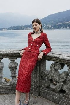 May 2020 - The complete Alessandra Rich Spring 2020 Ready-to-Wear fashion show now on Vogue Runway. Red Fashion, Fashion 2020, Couture Fashion, Fashion News, High Fashion, Fashion Outfits, Modern Fashion, Corporate Fashion, Fashion Photography Inspiration