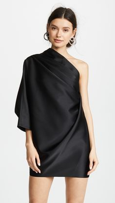 and compare Marc Jacobs Asymmetrical Mini Dress across the world's largest fashion stores!Find and compare Marc Jacobs Asymmetrical Mini Dress across the world's largest fashion stores! Black Dress Outfits, Mini Robes, Frack, Dress First, Asymmetrical Dress, Fashion 2020, 50 Fashion, Ladies Dress Design, Kaftan