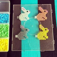 10 Easter Ideas with Hama Pearls (Brombleberries) 10 Easter Ideas with . - 10 Easter Ideas with Hama Beads (Brombleberries) 10 Easter Ideas with Hama Beads - Perler Bead Designs, Hama Beads Design, Diy Perler Beads, Perler Bead Art, Pearler Bead Patterns, Perler Patterns, Loom Patterns, Quilt Patterns, Easter Crafts