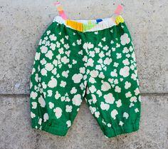 Easy Pants pattern from いちばんよくわかる赤ちゃんと小さな子の服.ISBN 9784529048422