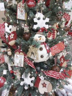 renaissance theme christmas trees - Google Search