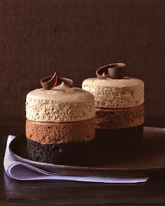 Triple layers chocolate mousse cake