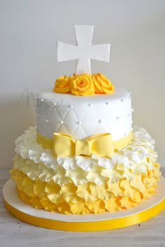 Comunion First Communion Cakes, First Holy Communion, Baptism Cakes, Beautiful Cakes, Amazing Cakes, Mini Cakes, Cupcake Cakes, Butterfly Birthday Cakes, Religious Cakes