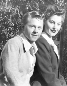 Mickey Rooney and Ava Gardner officially announce their marriage, 1942