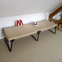 lit de camp pliant avec oreiller la redoute interieurs prix avis notation livraison lit. Black Bedroom Furniture Sets. Home Design Ideas