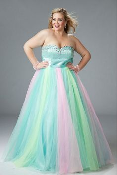 15 Plus Size Prom Dresses on Trend for 2016 | Prom, Girl fashion ...