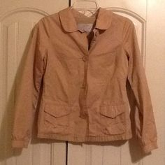 Old Navy- Light Weight Beige Jacket Beige light weight jacket with buttons going down the front. Has pockets on the front as well. Size: xs. 100% cotton. Great condition! Old Navy Jackets & Coats