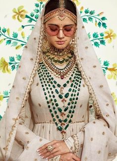 Sabyasachi-Schmuck - Saree and Lehenga - Indian Bridal Outfits, Indian Wedding Jewelry, Bridal Dresses, Bridal Lehenga, Lehenga Choli, Anarkali, Sarees, Bollywood, Bridal Jewelry Sets